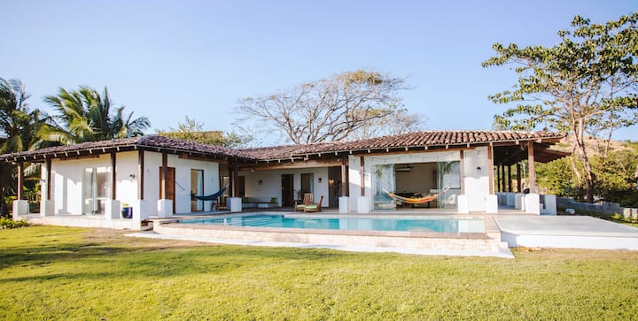 Villa Nomada - Barefoot Luxury 👑 Beach Front Villa