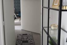 L'ENIVRANT: PARKING BOX / CHECK IN  H24/WiFI
