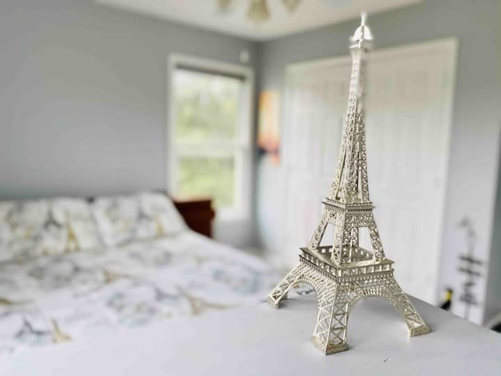 *Paris* 1BR/1BA room in new house at ❤ of Memphis