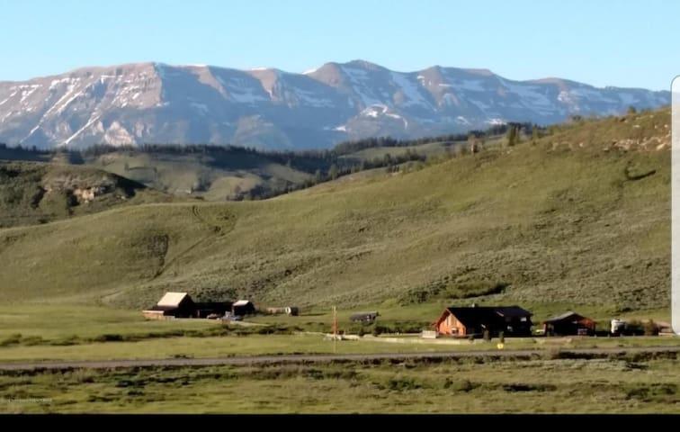 Majestic view of the Rockies - Marabrit Ranch B&B