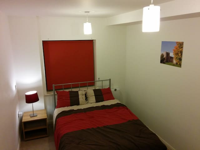 Double room, seconds away from East India DLR