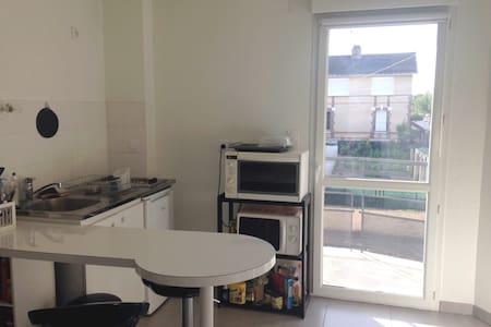 Location studio courte ou longue durée - Apartment