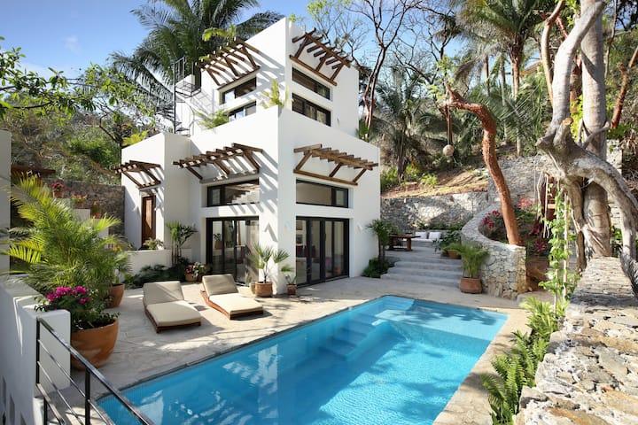 Casa Verano - Brand new home on the North Side!