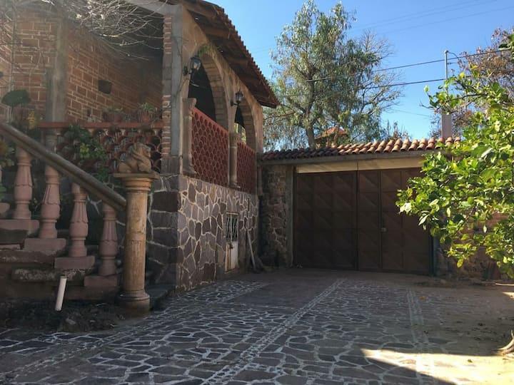 Casa de Campo al pie de cerro