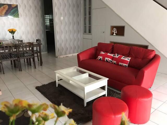 11 Homestay @ Setia Indah Johor Bahru
