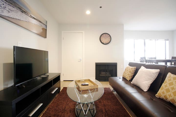 ☆5min Walk to UCLA☆w/Parking+Gym+Jacuzzi+BBQ Grill