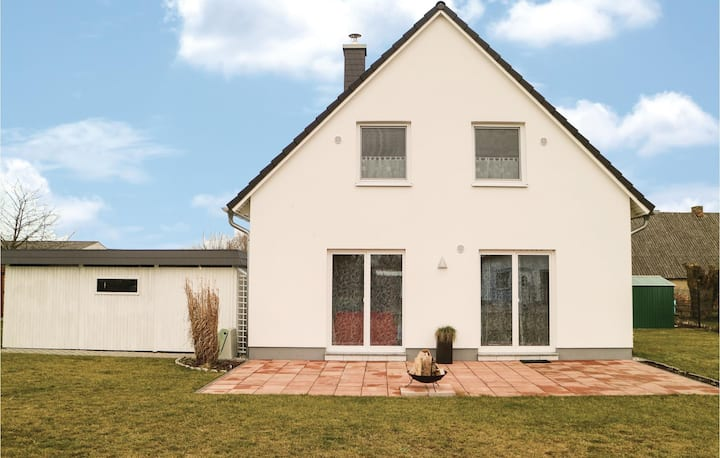 Holiday cottage with 3 bedrooms on 100m² in Garz