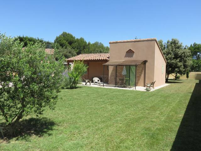 Renting house at the foot of Mont Ventoux - Mazan - Huis