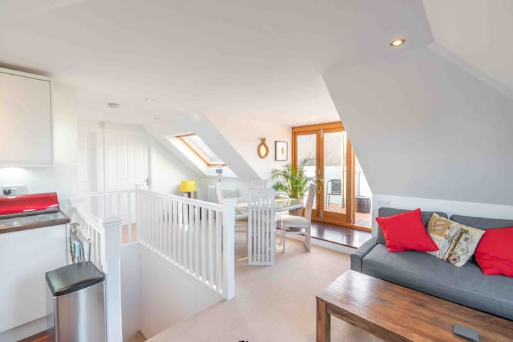 Edinburgh  Sea View Loft Apartment.