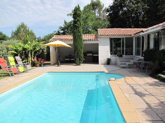 Lou Pichoun Nis, calme, 2 mn de la forêt, piscine - Belcodène - Vendégház