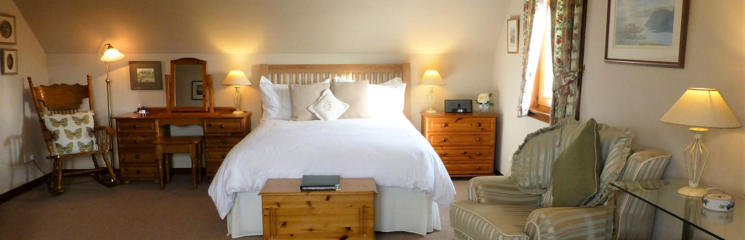 This is our Drimnin king sized double room.