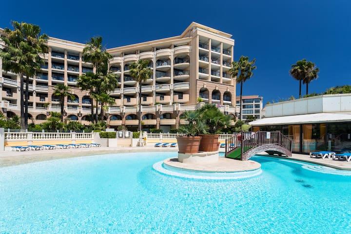 Chambre avec terrasse vue mer - Cannes - Apartment
