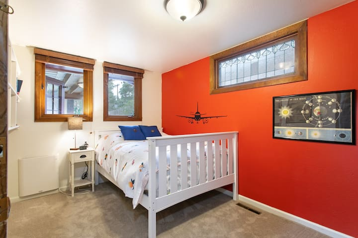 Two Bedrooms in Downtown Boulder Home