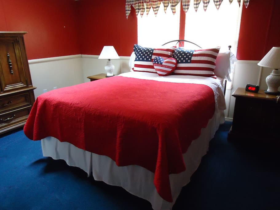"""Master bedroom has queen size bed, dresser, chest of drawers and 2 night stands. There is also a 43"""" flat screen TV with cable."""