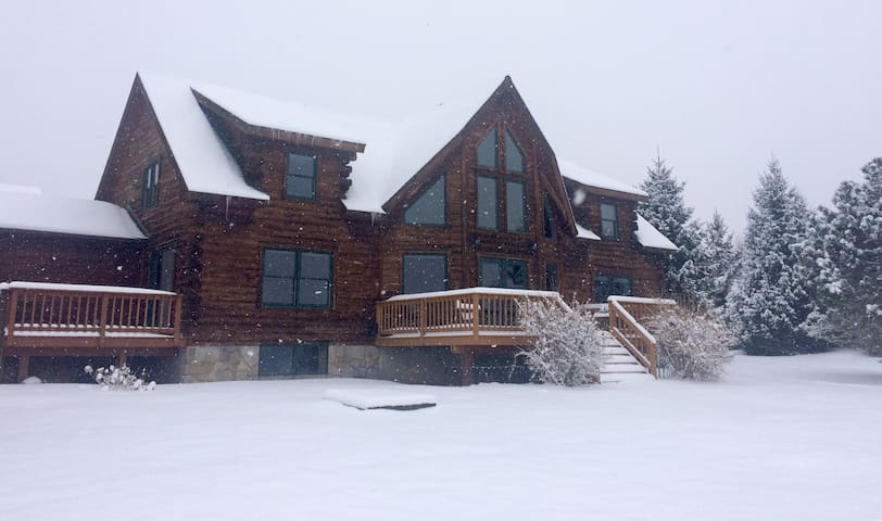 Winter Romance: Luxury Saratoga Log Home