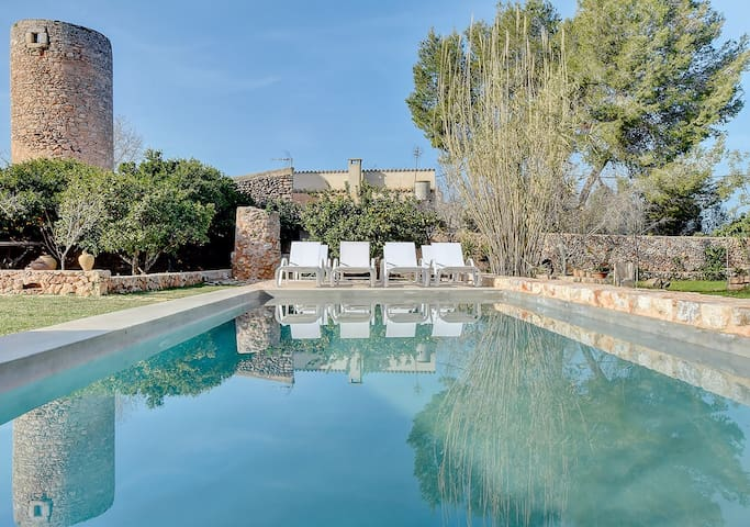 Villa Can Estela with special rustic charm in the heart of lovely village