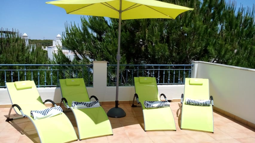 T1 Praia Verde, big terrace at 150m from the beach