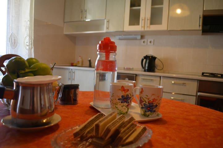 Light studio apartment - Komiža - Appartamento