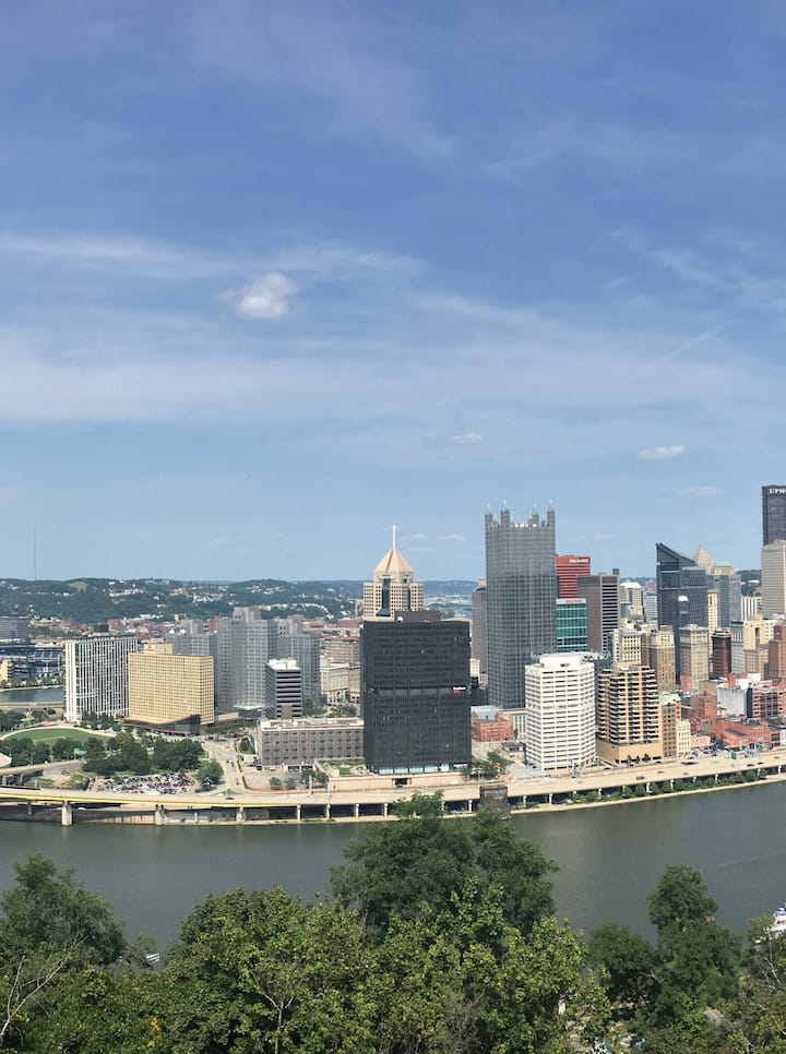 The best place to stay in Pittsburgh by Downtown!