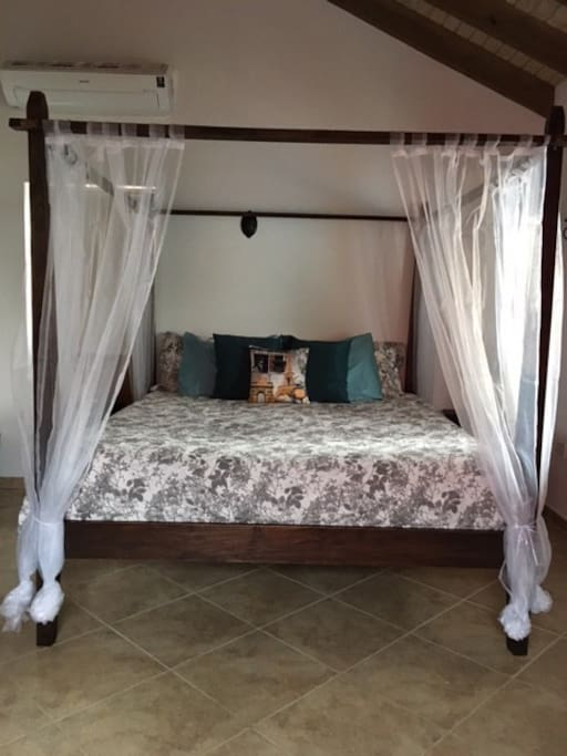 Cozy king size bed