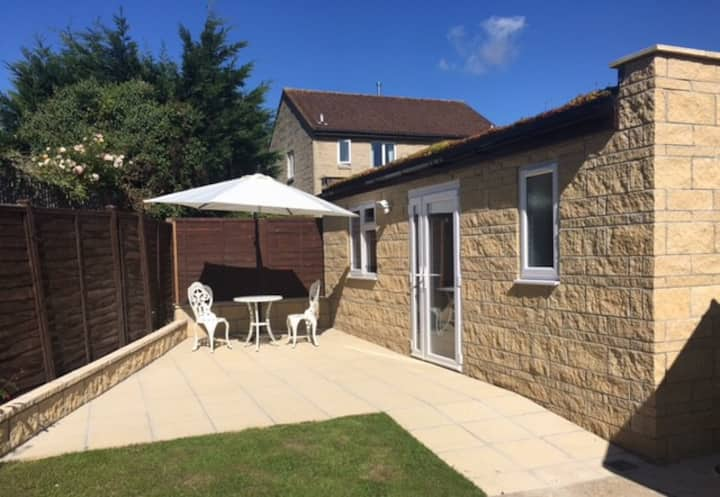 Beautiful Modern Annexe -1 Bed Apartment in Bath