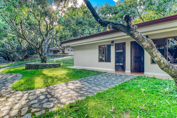 Comfortable cabin in gated community w/ shared pool, surrounded by gardens!