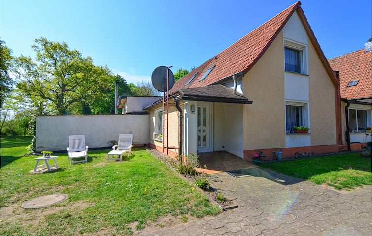 Semi-Detached with 1 bedroom on 50m² in Vollratsruhe