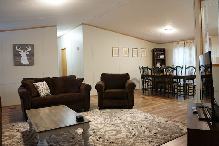 Edgewater, 5 Bedrooms on Salmon River/C5A Trail