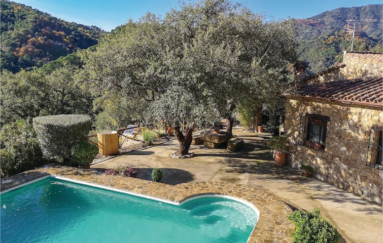 Holiday cottage with 3 bedrooms on 100m² in Algatocin