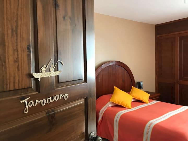 """El Palomar -""""JARÁCUARO""""- Bed&Breakfast"""