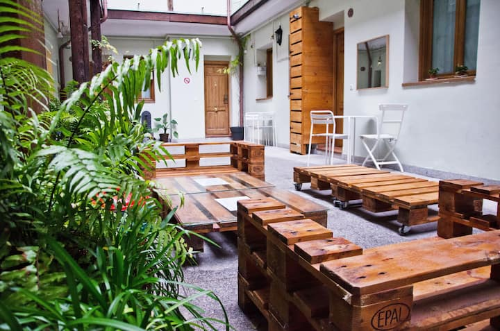 Mad4You Hostel: 4-bed mixed dorm, private bathroom
