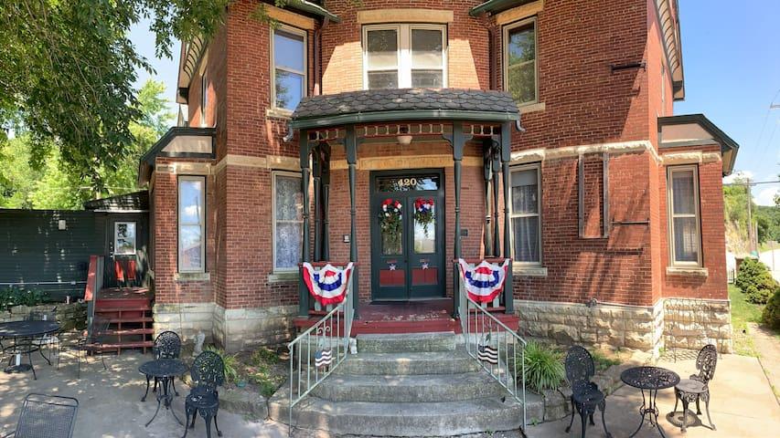 Brainerd House Guest House