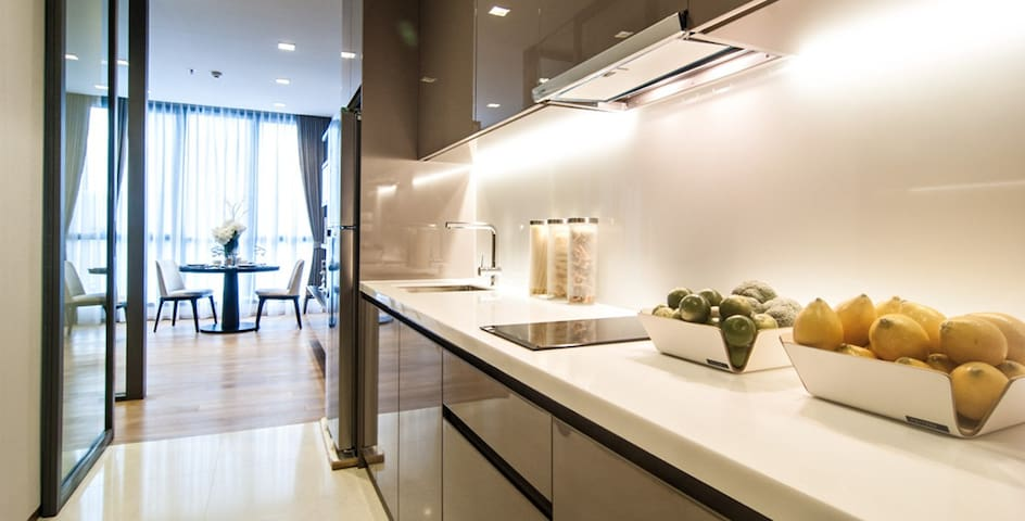 Luxury building Prime location with great view - Bangkok - Flat