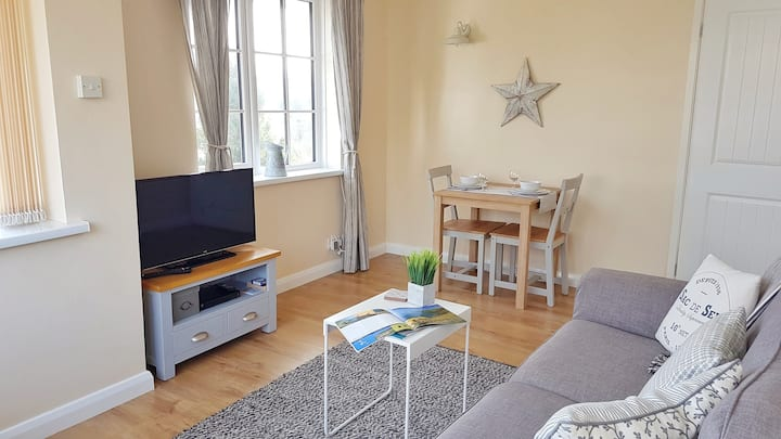 Aberporth Coastal Holidays, sea view apartment