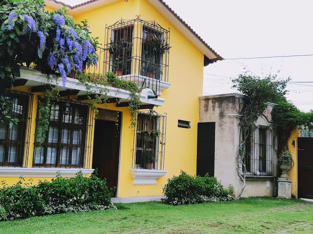 Gorgeous/all equipped 4 bedroom house in Antigua