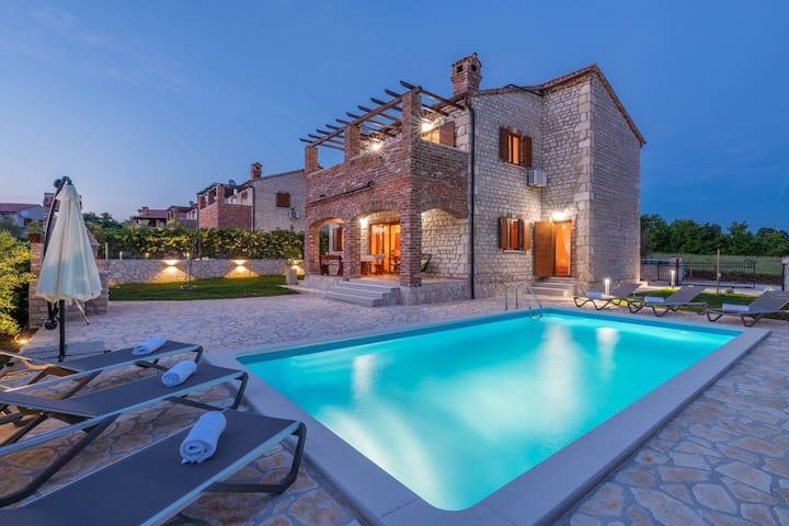 Villa Paradis 6 - villa familiare con piscina
