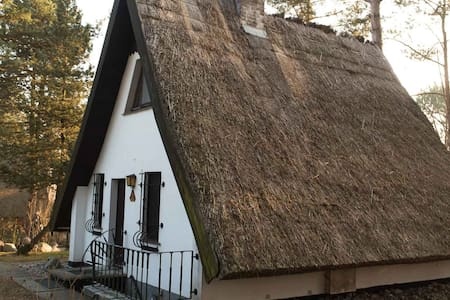 Idyllische Ruhe im Reetdachhaus auf Usedom - Rankwitz - 独立屋