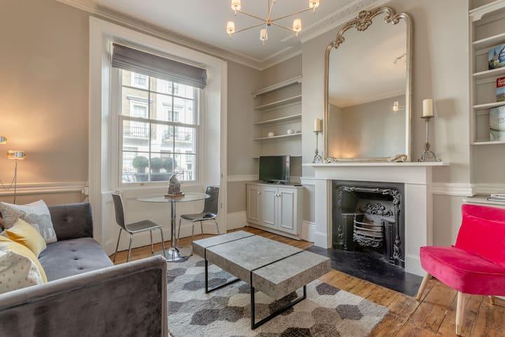 Vogue 1 bed Pimlico flat near Victoria station!