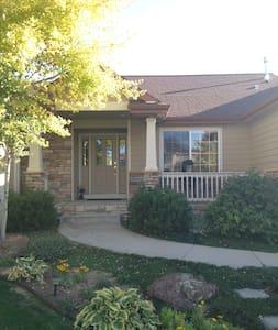 Well kept, larger Norther Colorado home - Windsor - Ház
