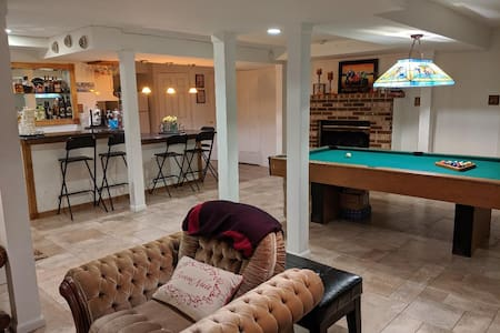 BEAUTIFUL PRIVATE BASEMENT SUITE