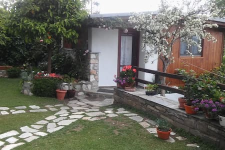 Το Σπιτάκι στον Κήπο. - Mouresi - Blockhütte