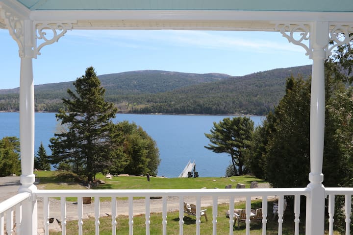 Price Reduced! Waterfront-HOT TUB-Near Bar Harbor