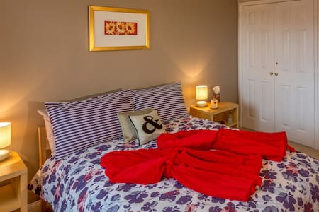 Stylish boutique B&B with hot tub, North Dorset - Bed & Breakfast
