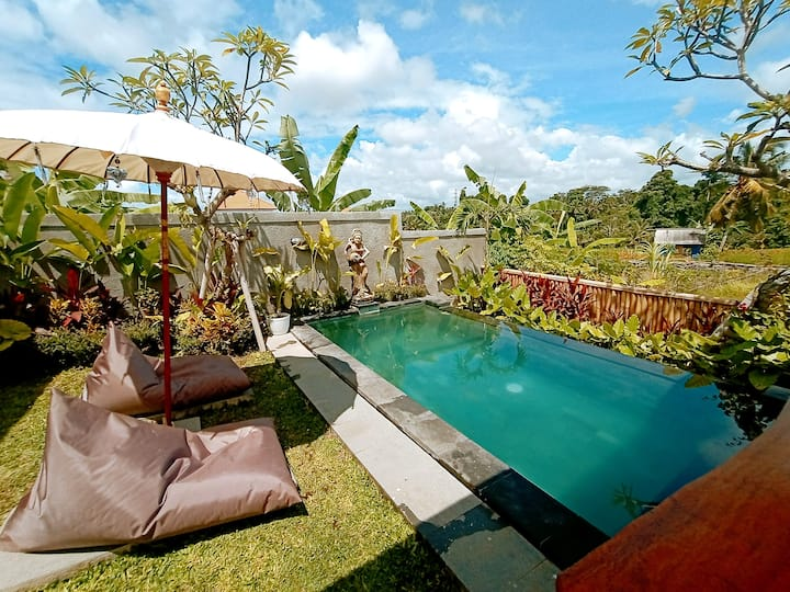 Honeymoon escape (1 bedroom with private pool)
