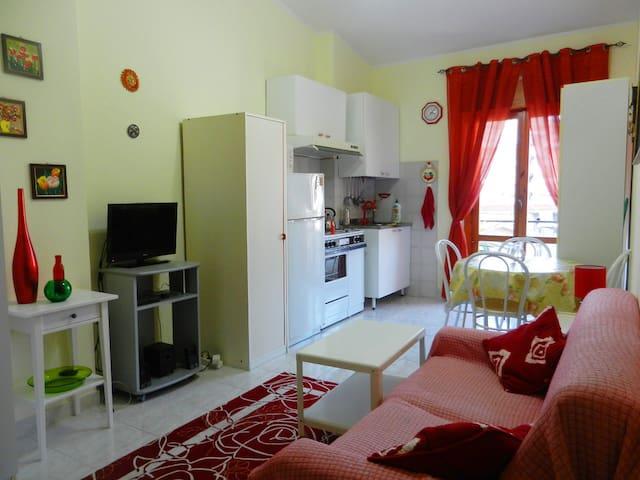 Квартира в 15 минутах от моря в тихом районе - Scalea - Daire
