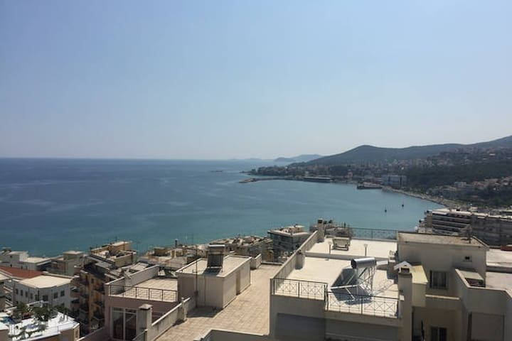 Large Penthouse - great View - very close to city - Kavala - Apartment