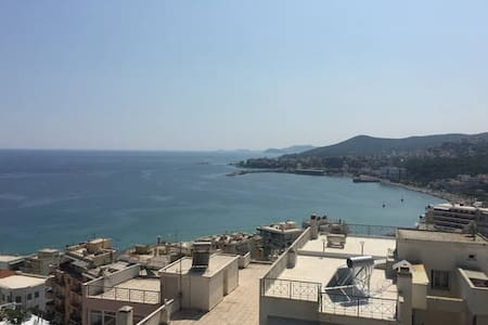 Large Penthouse - great View - very close to city - Kavala