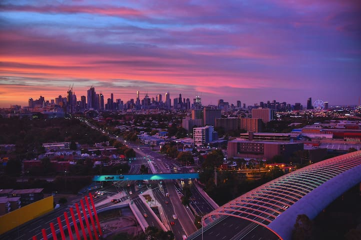 Melbourne City view 2BHK Apt @ Flemington