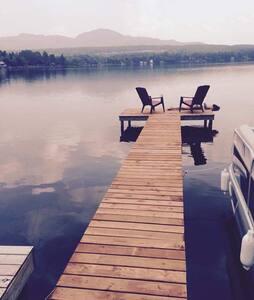 Chalet au bord du lac d'argent en Estrie - Eastman - Hytte (i sveitsisk stil)