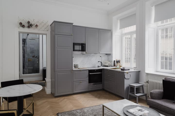 Stylish and Modern Apartment in Fancy Östermalm